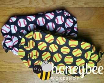 Men's / Women's toiletry / cosmetic bag - baseball / softball team gift! monogrammed / embroidered / personalized bag - girls / boys