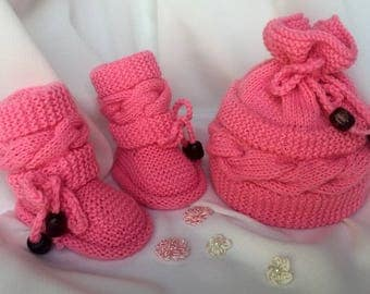 Baby Hat/Booties, Knitting Baby Hat/Booties, Baby Girl/Boy Hat and Booties, Knitting Baby Hat, Knitting Baby Booties,  Baby Shower Gift