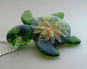Turtle - Hand Blown Glass Sea Turtle Pendant Sea Anemone Implosion Back Lampwork Focal Bead (T7297A)