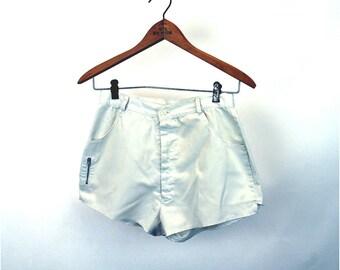 1970s shorts tennis shorts white shorts with pockets hot pants Size S