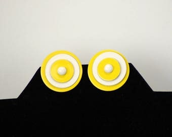 1960s earrings mid century mod disc circle clip on earrings enamel yellow white