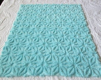 """Fluffy and Thick Turquoise Blue Hofmann Daisy Vintage Chenille Bedspread Fabric 18"""" x 24"""""""