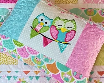 Girl owl pennant baby quilt, Handmade baby quilt, owl qppliqued nursery quilt gift set