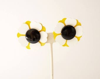 NEW  Vintage Yellow and White Flower Earrings with Black Center 1.5 Inch Boho Daisy Button Earring 1960s
