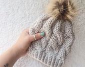 Pom Pom bonnet / bonnet d'enfant / lapin de Ski bonnet / chapeau de bébé tricotés / Pom Pom chapeau de fourrure / câble tricot bonnet / chapeau enfant en bas âge / Photo Prop chapeau