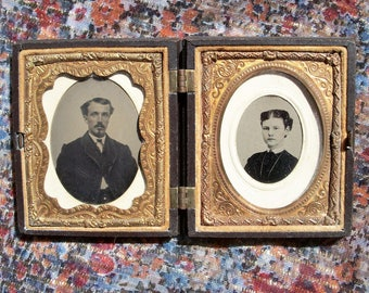 Full Union Case w/ Two Tintypes of Lady & Gentleman, Gutta Percha / Thermoplastic  AS IS