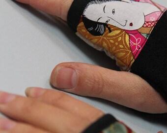 Black fingerless gloves wool BOILED and geisha