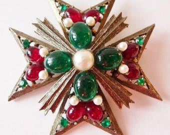 Weiss Maltese cross brooch pin pendant | faux emerald green ruby red pearl white | vintage jewelry | old jewelry | 1950s 1960s