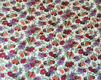 Vintage Floral Fabric, Cotton,, dressmaking. sewing, yardage. lavender, 50s, 40s