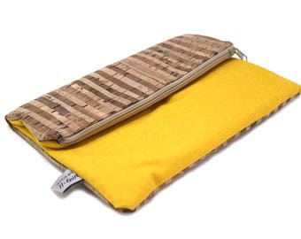 Clutch made of Cork and yellow canvas