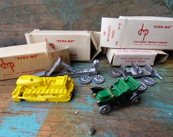 4 Vintage miniature model kits Dyna-Mo Bulldozer Surrey Conveyor old fashion cars trucks railroad village diorama