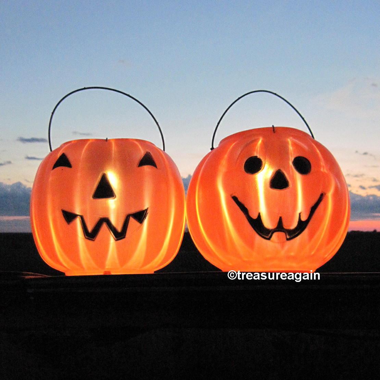 outdoor pumpkin halloween lights 2 faces pumpkin solar lights. Black Bedroom Furniture Sets. Home Design Ideas