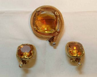 Vintage 1960s D&E Juliana Citrine Yellow Topaz Givre Square Glass Demi Brooch Pin Earrings Set