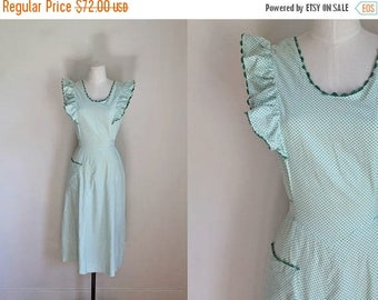 20% off SALE vintage 1940s dress - HAPPY HOME green & white polka dot pinafore / M