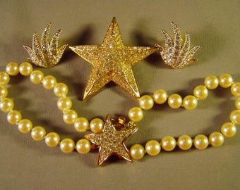 Vintage Joan Rivers Yellow Gold Plated Pave Rhinestone Star Faux Pearl Bracelet & Pin Pierced Earrings 9290