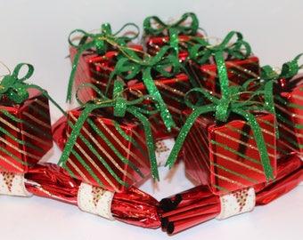 Present Napkin Rings Set of 8