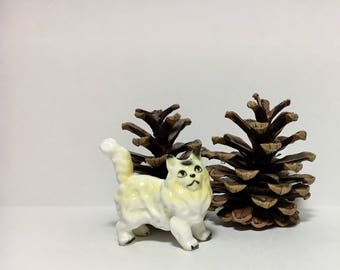 Vintage Cat Figurine White Cream Persian Norwegian Forest Cat