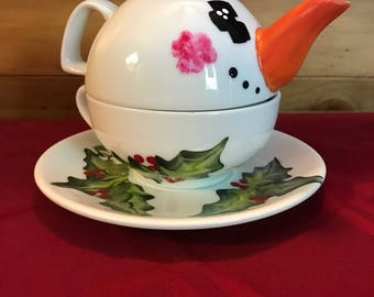 Tea for One Teapot holly berries snowman