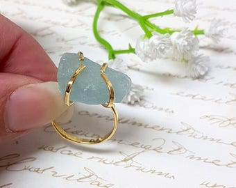 Raw Aquamarine Ring, Aquamarine Statement Ring, Solitaire Gold Ring, Boho Ring, March Birthstone Ring, Raw Stone Ring, Rough Aquamarine Ring