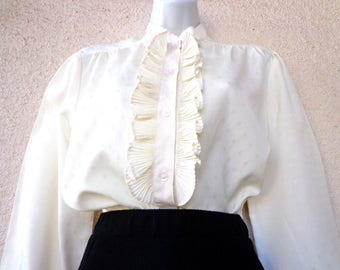 1970s Victorian Style BLOUSE. Edwardian Style Blouse. Ruffled Detail. High Collar Blouse. Modest Cut Blouse. Ivory Blouse. High Neck Blouse