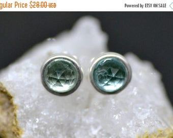 35% OFF mint spinel stud earrings