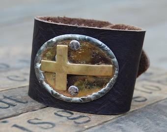 The Amy Bracelet - Cross