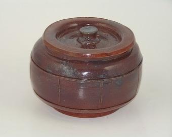 Lidded stoneware pot