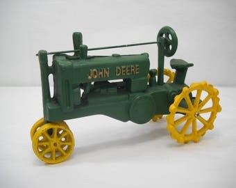 Vintage Cast Iron John Deere Tractor FREE SHIPPING