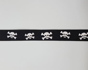 Grosgrain Ribbon, Skulls, 5/8 Inch - 17mm, Black and White, Pirate Skull and Crossbones, Trim, Hair Bow, Sewing Ribbon Trim