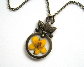 Yellow Buttercup - Real Flower Garden Necklace - botanical jewelry, pressed flower, flower necklace, yellow, Summer necklace, natural, ooak
