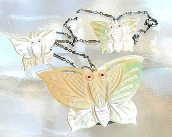 Vintage Butterfly Jewelry Set, Carved Mother of Pearl Butterflies, Vintage Necklace & Earrings Set, MOP Mother of Pearl Jewelry.