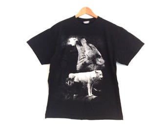 Vintage Wolf T-Shirt // Vintage Tee with Wolves // Black and White Wolves T-shirt
