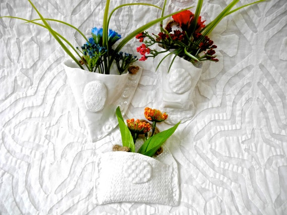 Wall vase, White Wall pockets, textured planters, hanging planters, tiny planters, ceramic wall pockets, flower pockets, ceramic wall vase