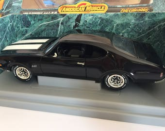 1969 Oldsmobile 442 W-30 American Muscle 1/18 Scale Die Cast Collectibles Car