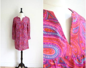 Summer Sale Vintage mod hot pink paisley mini dress / long sleeve retro bright tunic dress / hippie dress
