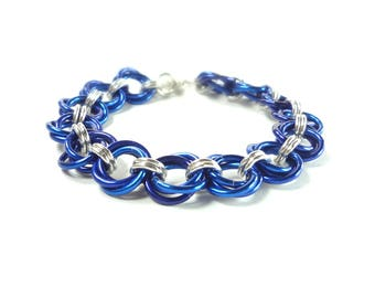 Chainmaille Mobius Bracelet In Blue And Silver Anodized Aluminum
