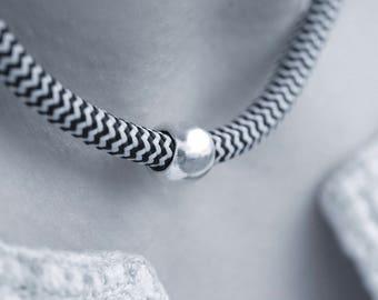 The bead chocker