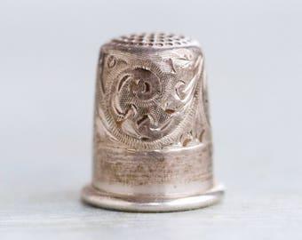 Silver Thimble - Sterling Silver - Antique Digitabulist - Art Nouveau Design