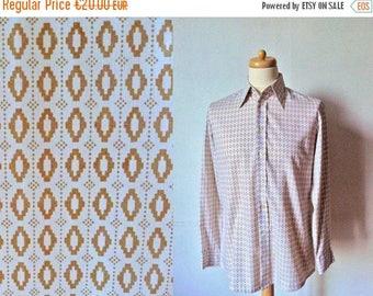 50%DISCOUNT 80s white tan graphic geometric printed men shirt M