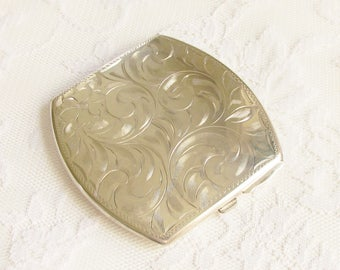 ReSeRvEd Sterling Silver Etched Art Nouveau Powder Compact 1930s 1940s