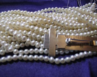 Beautiful 3 mm Fresh Water Round Ivory Pearls 1 strand P lot 002