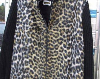 On Sale 60s LEOPARD Cat Faux Fur Rockabilly Mod Coat JACKET S Robbie Bee Vintage Leopard 1960's Mid Century Sweater