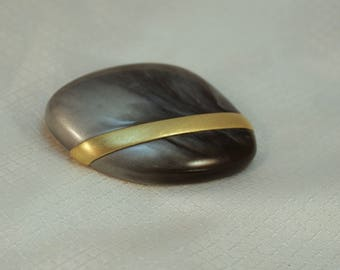 Designer Kunio Matsumoto for Trifari Modernist Marbled Grey Lucite and Gold Band Brooch