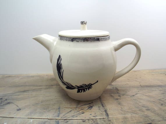 Black Feather White and Silver Teaopt