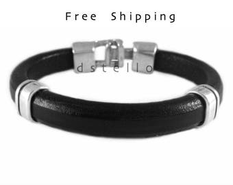 Custom mens leather bracelet - Men's bracelet - Gift for him - First quality Spanish leather - Antique hammered clasp - Leather jewelry