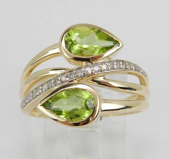 Diamond and Peridot Cocktail Bypass Ring 14K Yellow Gold Size 7 August Birthday