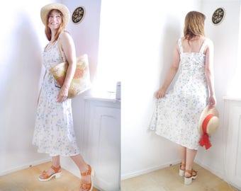 Vintage Dress tie belt summer apron dress white floral 70s style apron dress sun dress fresh summer apparel