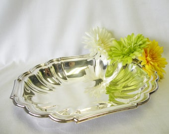 Silverplate Oval Bowl - Silverplate Fluted Scalloped Serving Dish - Wedding Serving Dish, Home Decor, Holiday Server, Dining Room Accessory