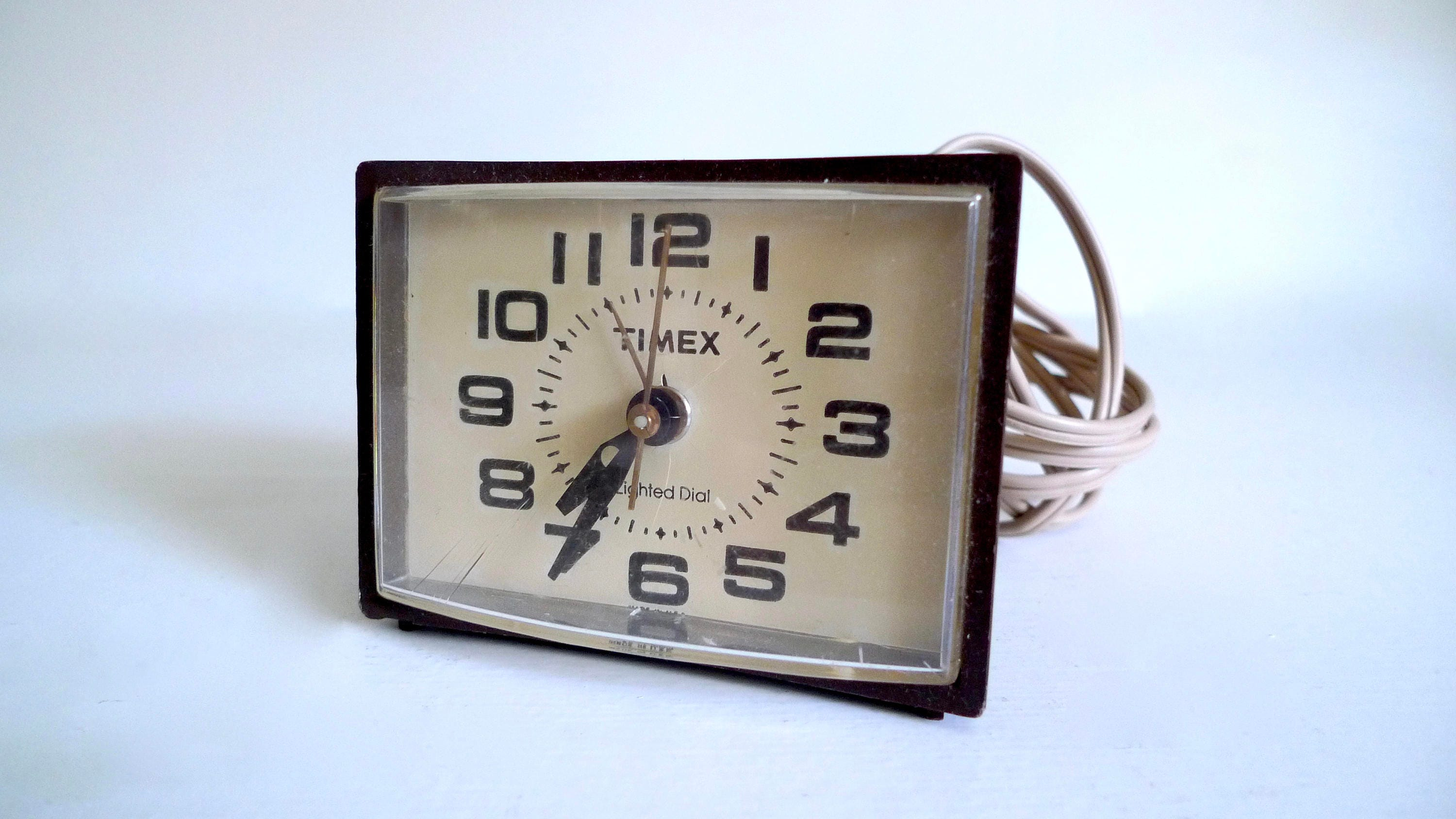Vintage Timex Electric Analog Alarm Clock Made In Usa