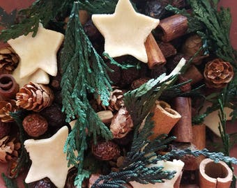 Christmas Cravings ( Cinnamon Spice)  Potpourri  -  primitive bowl fillers ~  with refresher oil